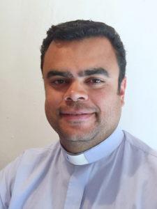 Père Eder, Vicaire